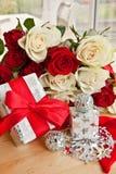 Rosas blancas y rojas Imagen de archivo libre de regalías
