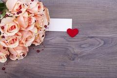 Rosas bonitas com pérolas Imagens de Stock