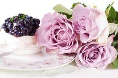 Rosas de la cortina en colores pastel Imagen de archivo libre de regalías