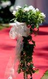 Rosas de seda brancas que wedding o posy fotos de stock royalty free