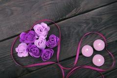 Rosas del jabón y de las velas naturales Fotografía de archivo libre de regalías