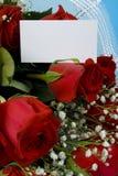 Rosas del terciopelo con la nota Fotos de archivo libres de regalías