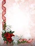 Rosas do vermelho da beira do convite do casamento Fotografia de Stock