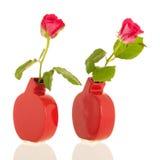 Rosas en floreros modernos Imágenes de archivo libres de regalías