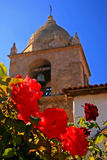 Rosas en la misión Carmel Fotos de archivo