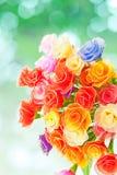Rosas hechas a mano artificiales Imagenes de archivo