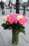 Rosas para su favorito Foto de archivo
