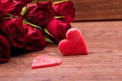 Rosas vermelhas de dia de matrizes Foto de Stock Royalty Free