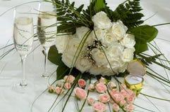 Rosas y champán Foto de archivo libre de regalías