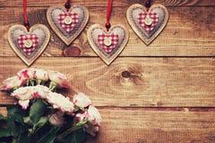 Rosas y dimensiones de una variable del corazón Fotografía de archivo