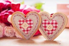 Rosas y dimensiones de una variable del corazón Foto de archivo