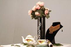 Rosas y té Fotos de archivo libres de regalías