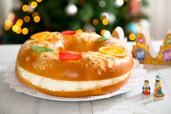 `Roscon de reyes` , Spanish typical dessert of Epiphany Royalty Free Stock Images