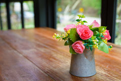 Rose artificiali Fotografie Stock Libere da Diritti