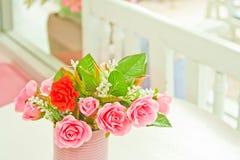 Rose artificiali dentellare Immagini Stock