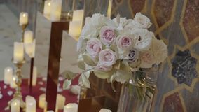 Rose bianche e beige fresche 1 archivi video