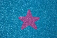 Rose bleu non égal barbelé d'amour d'étoile d'extérieur de mastic de plâtre de mur de texture de fond Images stock