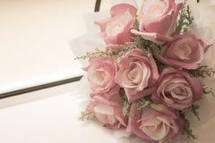 Rose, Blumenstrauß der künstlichen Blumen Lizenzfreie Stockbilder