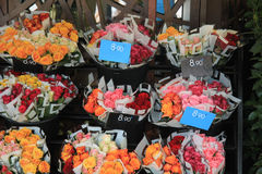 Rose bouquets at the market Royalty Free Stock Photos