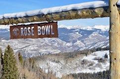 Rose Bowl em um dia azul do pássaro, Beaver Creek, recursos de Vail, Avon, Colorado Fotografia de Stock
