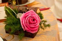 rose bröllop för askgarneringar Royaltyfria Foton