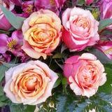 Rose Bridal Bouquets en colores pastel Imagenes de archivo