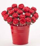 Rose Cake Pops op Rode Vaas Stock Foto