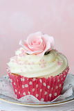 Rose cupcake Stock Photography