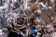 Rose, décorations d'arbre de Noël images stock