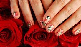 Rose dans des mains Image stock