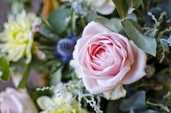 Rose dans le bouquet Images libres de droits