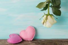 Rose de blanc à l'envers Amour actuel Photo libre de droits