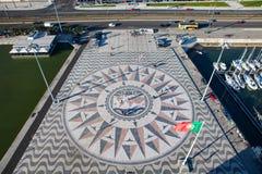 Rose de boussole de mosaïque de Lisbonne de la vue supérieure photographie stock libre de droits