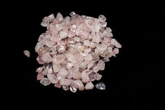 Rose de quartz, fond en pierre freeform Photo stock