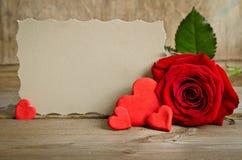 Rose de rouge avec le papier pour le texte Image stock