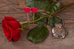 Rose de rouge, coeurs et éléphant de décoration Images libres de droits