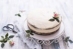 Rose decorated cake Royalty Free Stock Photo