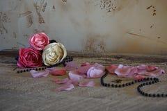Rose del tessuto su tabel Fotografia Stock