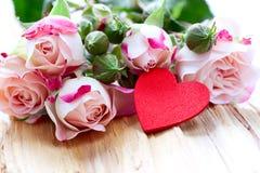 Rose e cuore Fotografia Stock Libera da Diritti