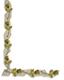 Rose e nastri dell'oro del bordo di cerimonia nuziale Fotografia Stock