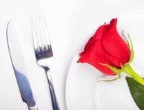 Rose en una placa Imagenes de archivo