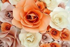 Rose et blanc roses de fond de papier Image libre de droits