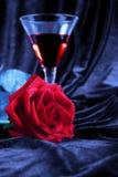 Rose et boisson alcoolisée Photo libre de droits