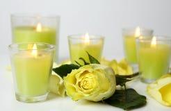 Rose et bougies Photographie stock libre de droits