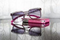 Rose färbte Gläser Stockfotos