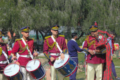 Rose Festival, o bronze e a tubulação unem a competição, Chandigarh, Índia Imagens de Stock