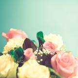 Rose gialle e rosa immagine stock