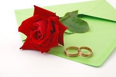 Rose - Hochzeit - Ringe Stockfoto