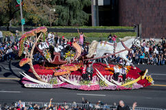Rose parade float with horse and sleigh Stock Photo