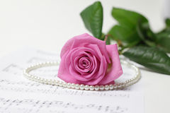 rose&pearl necklace Stock Photography